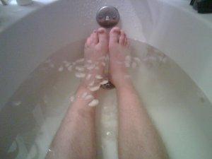 feet-in-ice-bath